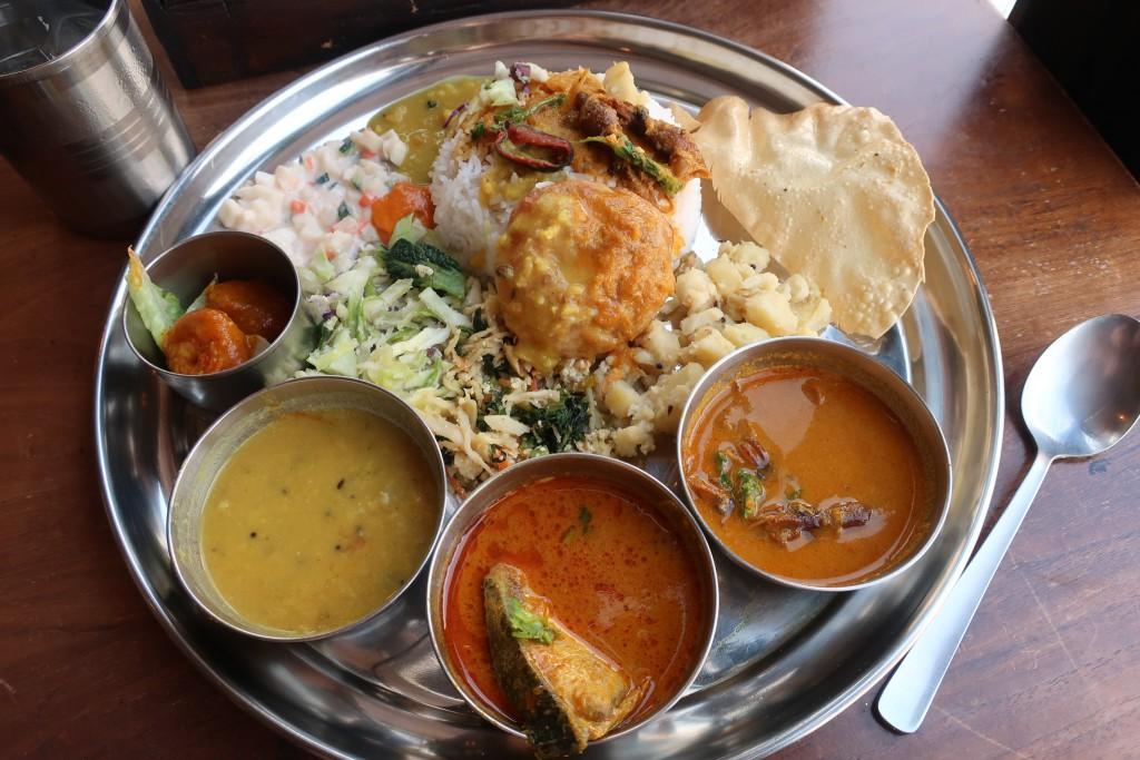 ムーナ 下北沢カレー 海鮮カレー 魚カレー インドカレー LOVE INDIA