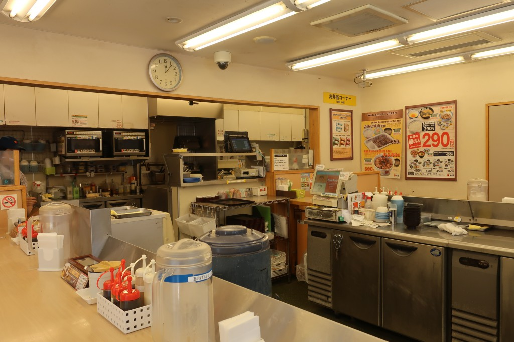 カレー名店  ごろごろ煮込みチキンカレー  ビーフカレー 創業ビーフカレー 名作カレー 松屋カレー  牛丼屋カレー